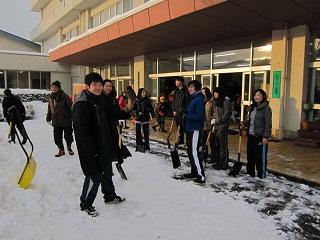 田上小学校には杜の里スポーツクラブと学生が参加