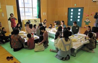 多くの親子が集まり交流を楽しみました。